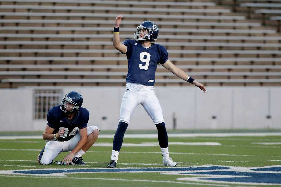 Rice kicker Chris Boswell tries to steer through a 59-year field goal. Photo: Thomas B. Shea, For The Chronicle / © 2013 Thomas B. Shea