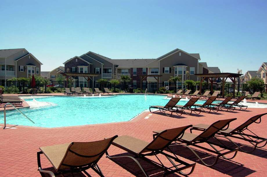 Carroll Organization has acquired the 330-unit Waterford on Westheimer. Photo: Courtesy Photo