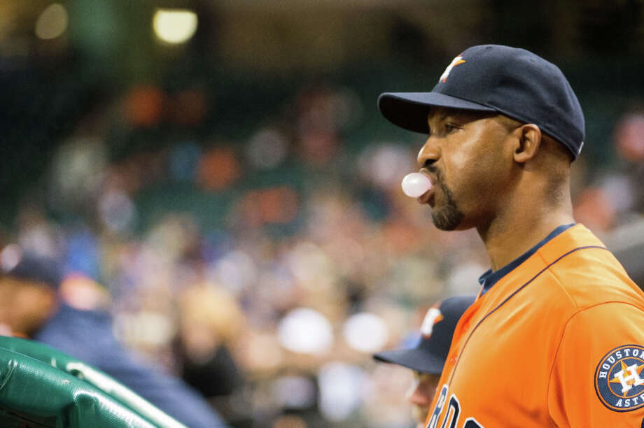 Astros manager Bo Porter watches his team bat during the fourth inning. Photo: Smiley N. Pool, Houston Chronicle / © 2013  Smiley N. Pool