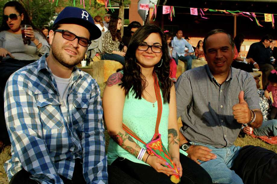 People enjoying San Antonio's popular Latin music series, Échale! at the Pearl Amphitheater- April 5, 2013 Photo: Yvonne Zamora, MySA.com/ SA