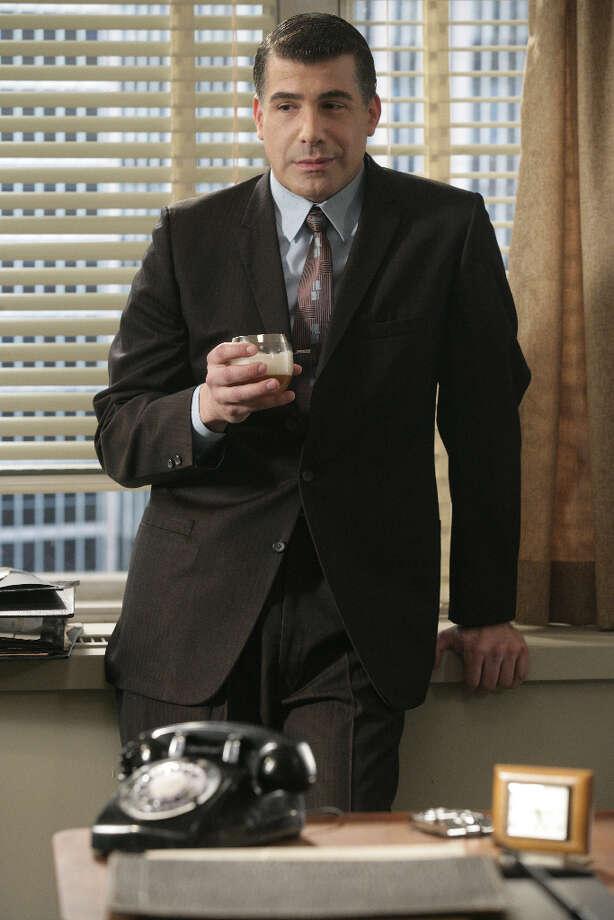 Salvatore Romano (Bryan Batt), Sterling Cooper\'s art director.