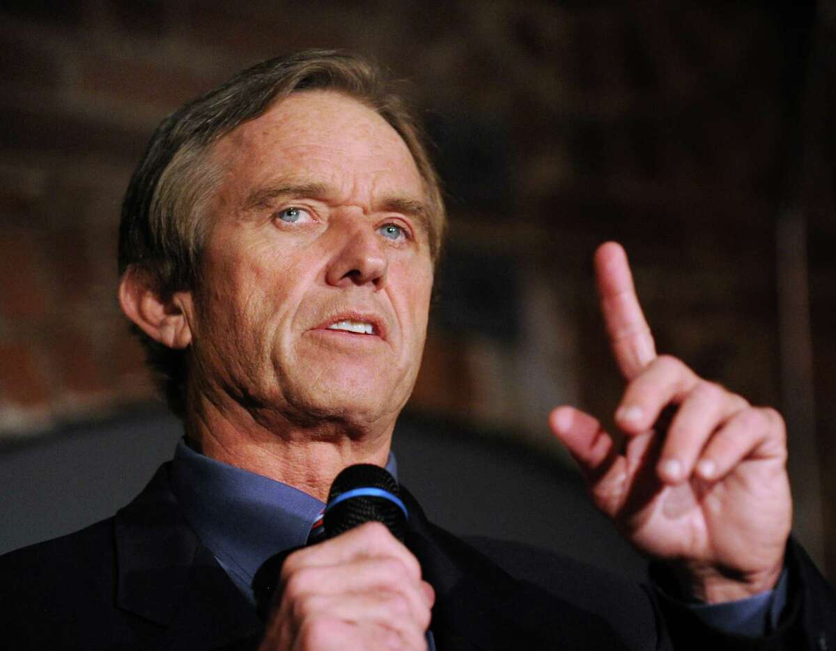 """Robert F. Kennedy Jr., shown here speaking at the """"Global Insights"""" lectures at the Maritime Aquarium in Norwalk, Oct. 18, 2012, may be called to testify during the April trial for Michael Skakel."""