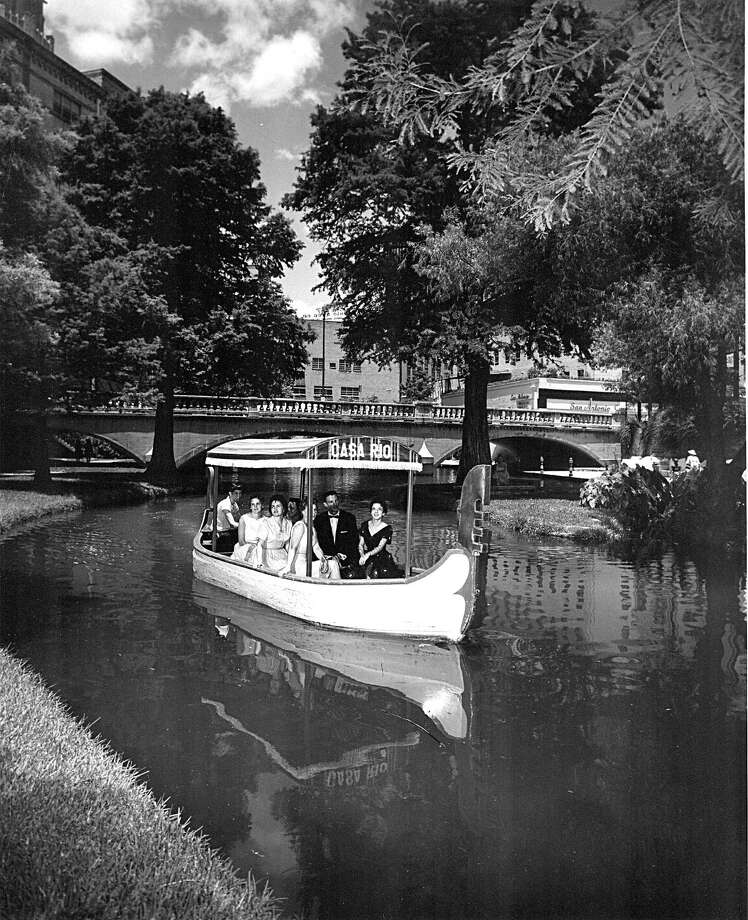 Casa Rio restaurant operated a gondola on the San Antonio River in the 1950s. Today, river barge cruises remain popular with tourists. Photo: Courtesy Photo / UTSA Libraries Special Collections / UTSA LIBRARIES SPECIAL COLLECTIO