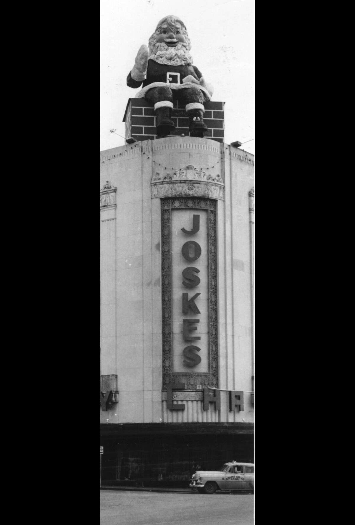 Joske's always went all out at Christmastime to lure their patrons in. Seen here is the infamous Santa sitting on the chimney which was placed on the roof of Joske's to welcome the shoppers in. (1956) CREDIT: EXPRESS-NEWS FILE PHOTO