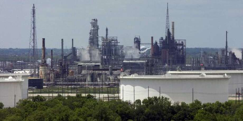 Valero's Port Arthur refinery Photo: Beaumont Enterprise