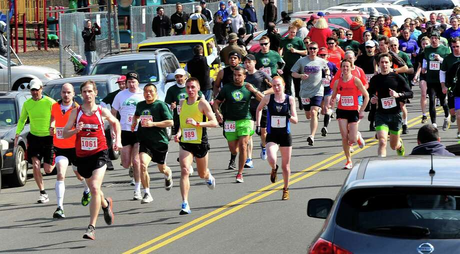 Runners start the 5K race during the Stratton Faxon Greater Danbury Half Marathon and 5K race in Danbury, Conn. Sunday, April 7, 2013. Photo: Michael Duffy / The News-Times