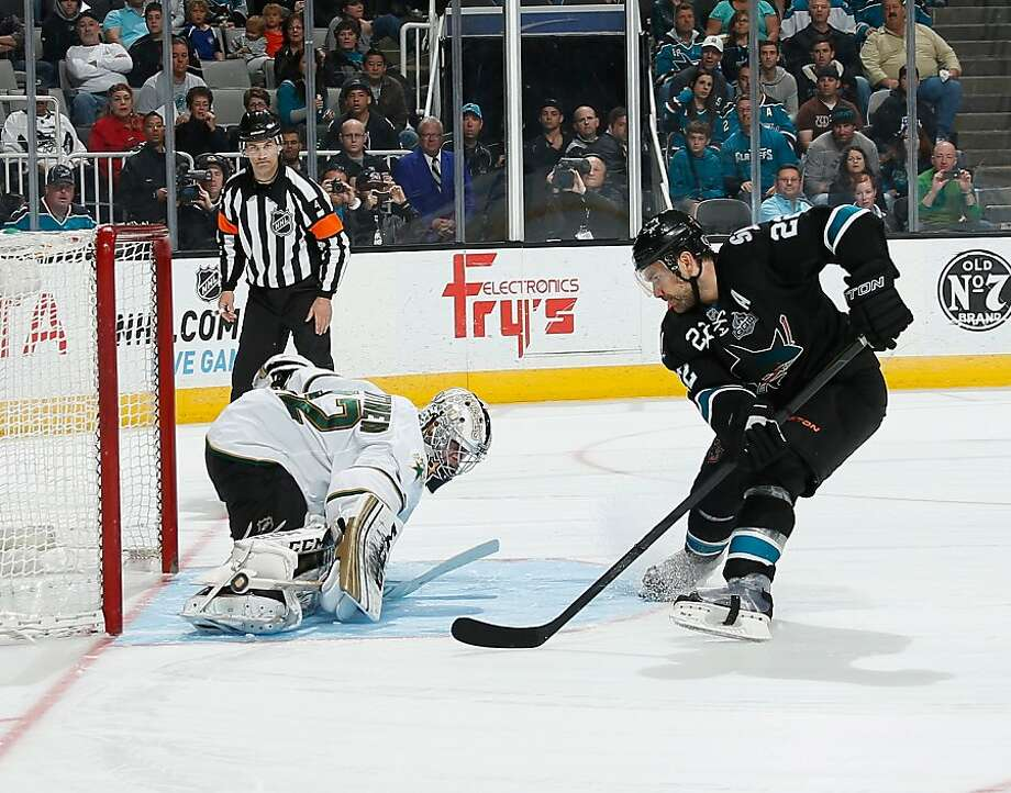 Dan Boyle gets turned away by Kari Lehtonen's kick save in the shootout in the Stars' victory. Photo: Don Smith, NHLI Via Getty Images