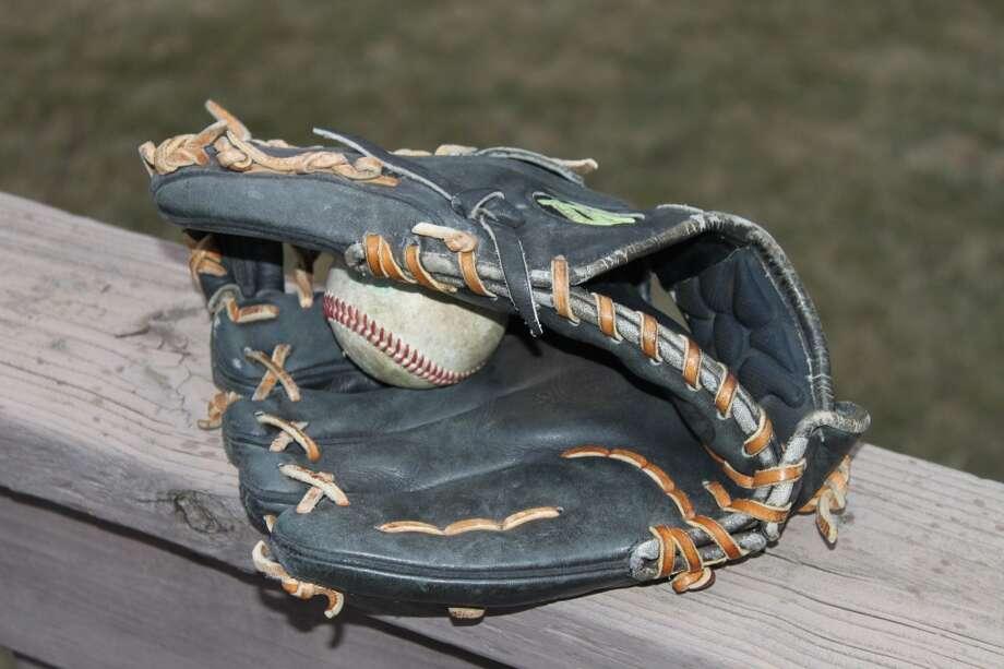 My pitchers mitt. A Wilson A2000.