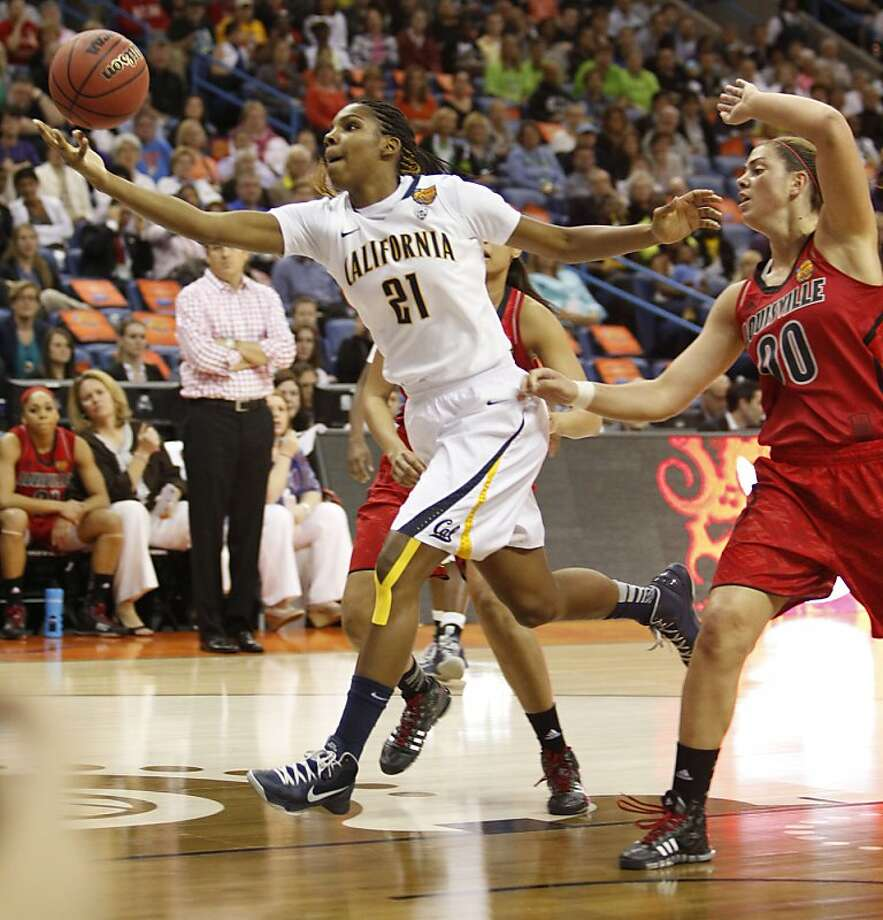 California's Reshanda Gray,(21) drives inside being chased by Louisville's Sara Hammond,(00) during first half action as the Cal Berkeley women's basketball team takes on the Louisville Cardinals in the national semi-final match up in the NCAA Final Four Basketball Tournament in New Orleans, La. on Sunday April 7, 2013. Photo: Michael Macor, The Chronicle