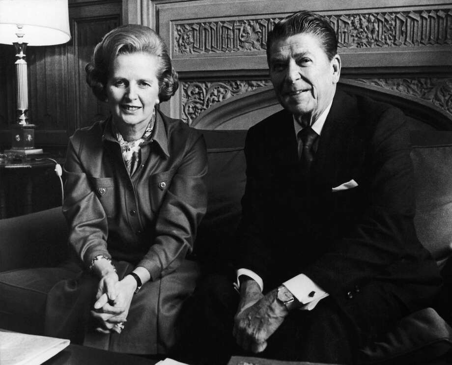 Margaret Thatcher, the head of the British Conservative Party, met with Ronald Reagan, the former governor of California, at the Chamber of Communes in London in 1978. Photo: Keystone-France, File / 1978 Keystone-France