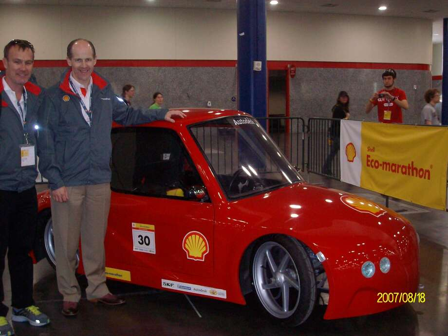 Mark Caffee, associated team member, Shell Eco-marathon and Mark Singer, head of Business Communications, Upstream Americas, Shell Oil