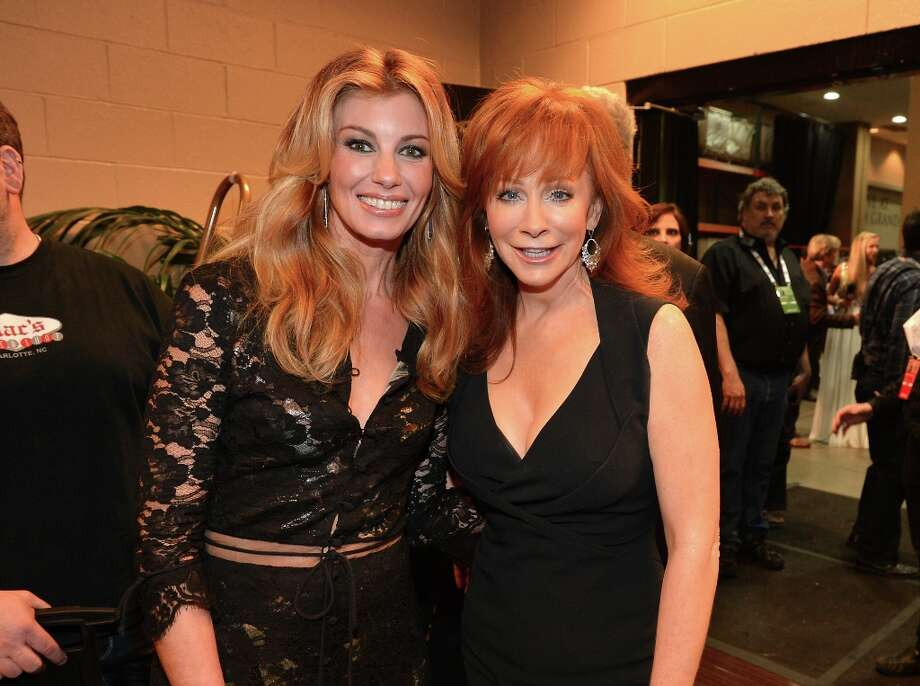 Singers Faith Hill and Reba McEntire attend the 48th Annual Academy of Country Music Awards at the MGM Grand Garden Arena on April 7, 2013 in Las Vegas, Nevada. Photo: Rick Diamond/ACMA2013, Getty Images For ACM / Rick Diamond/ACMA2013