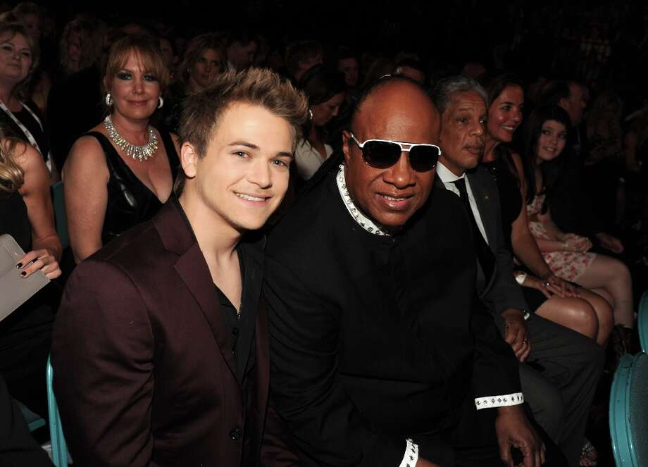Musicians Hunter Hayes (L) and Stevie Wonder attend the 48th Annual Academy of Country Music Awards at the MGM Grand Garden Arena on April 7, 2013 in Las Vegas, Nevada. Photo: Kevin Winter/ACMA2013, Getty Images For ACM / Kevin Winter/ACMA2013