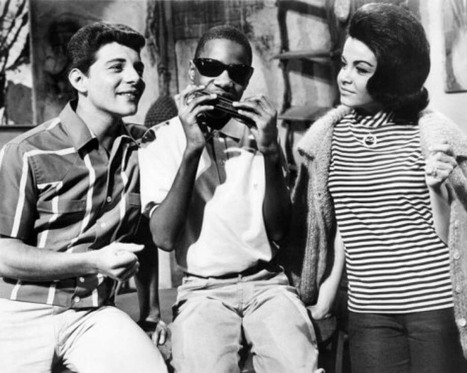 Annette and Frankie hang out with Little Stevie Wonder in \'Muscle Beach party\'