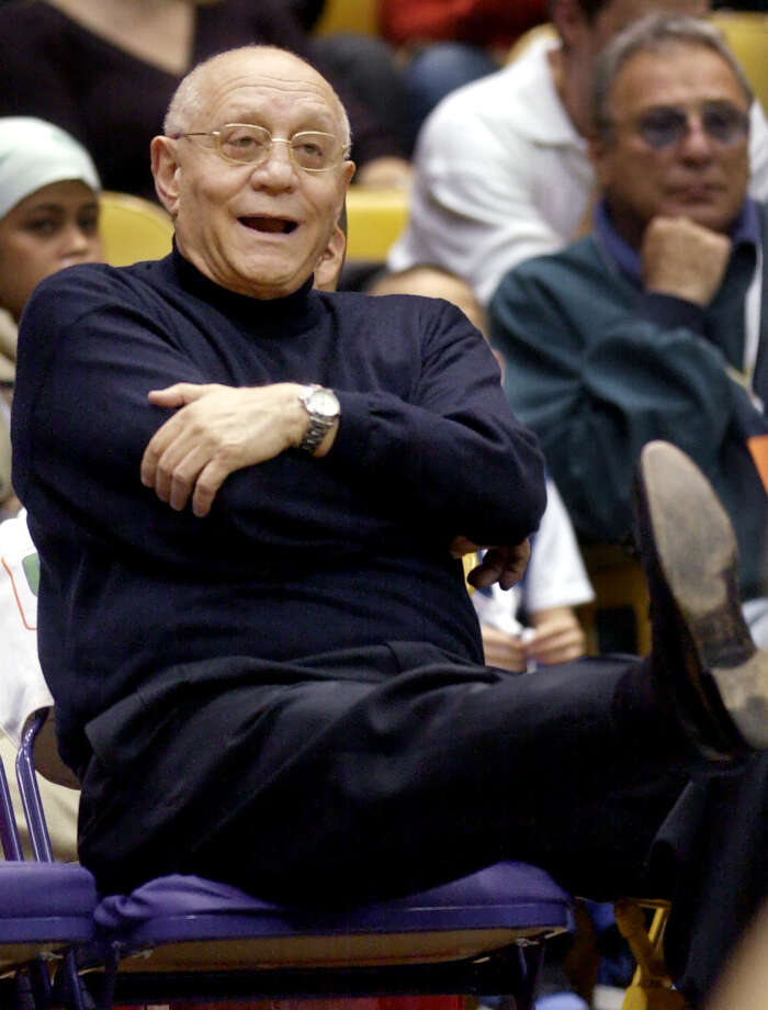 Fresno State head coach Jerry Tarkanian kicks up his foot as he reacts to a mised foul shot against University of Gonzaga during the second half of Fab Four college basketball double-header at the Great Western Forum in Inglewood, Calif, Thursday, Dec. 6, 2001. (AP Photo/Kevork Djansezian) Photo: KEVORK DJANSEZIAN, EN / AP