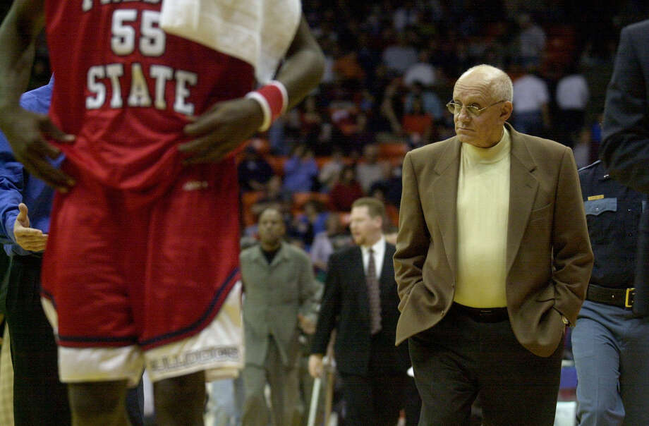 Fresno State head coach Jerry Tarkanian laves the courtat halftime of UT El Paso's 80-61 upset victory over Fresno State in El Paso on Saturday, Feb. 17, 2001. BILLY CALZADA/SAN ANTONIO EXPRESS-NEWS Photo: BILLY CALZADA, EN / SAN ANTONIO EXPRESS-NEWS