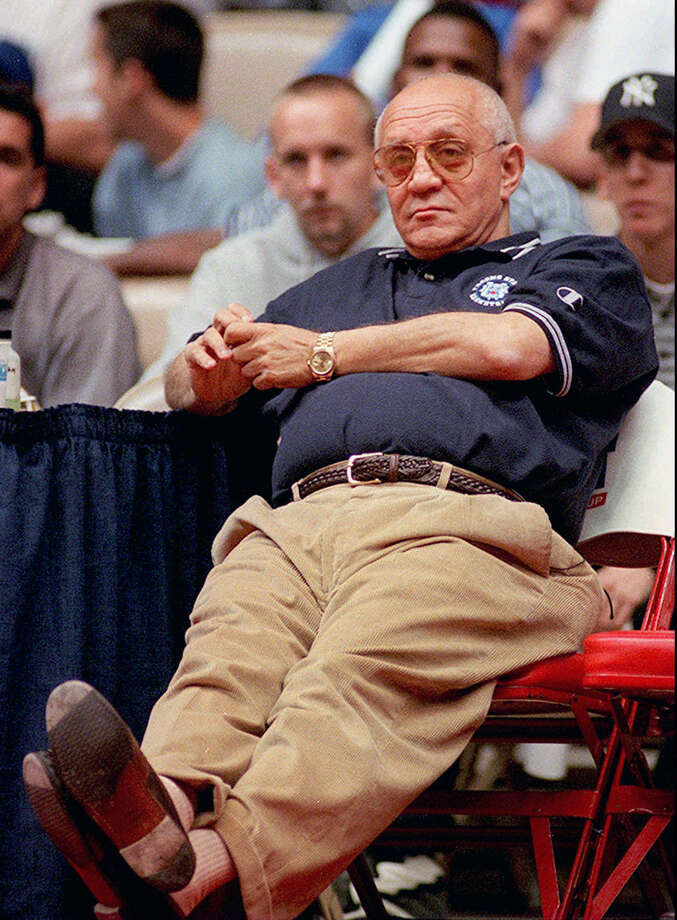 Fresno State basketball head coach Jerry Tarkanian watches a scrimmage from the sidelines on Tuesday, Nov. 4, 1997 in Fresno, Calif. (AP Photo/Eric Paul Zamora) Photo: ERIC PAUL ZAMORA, EN / AP