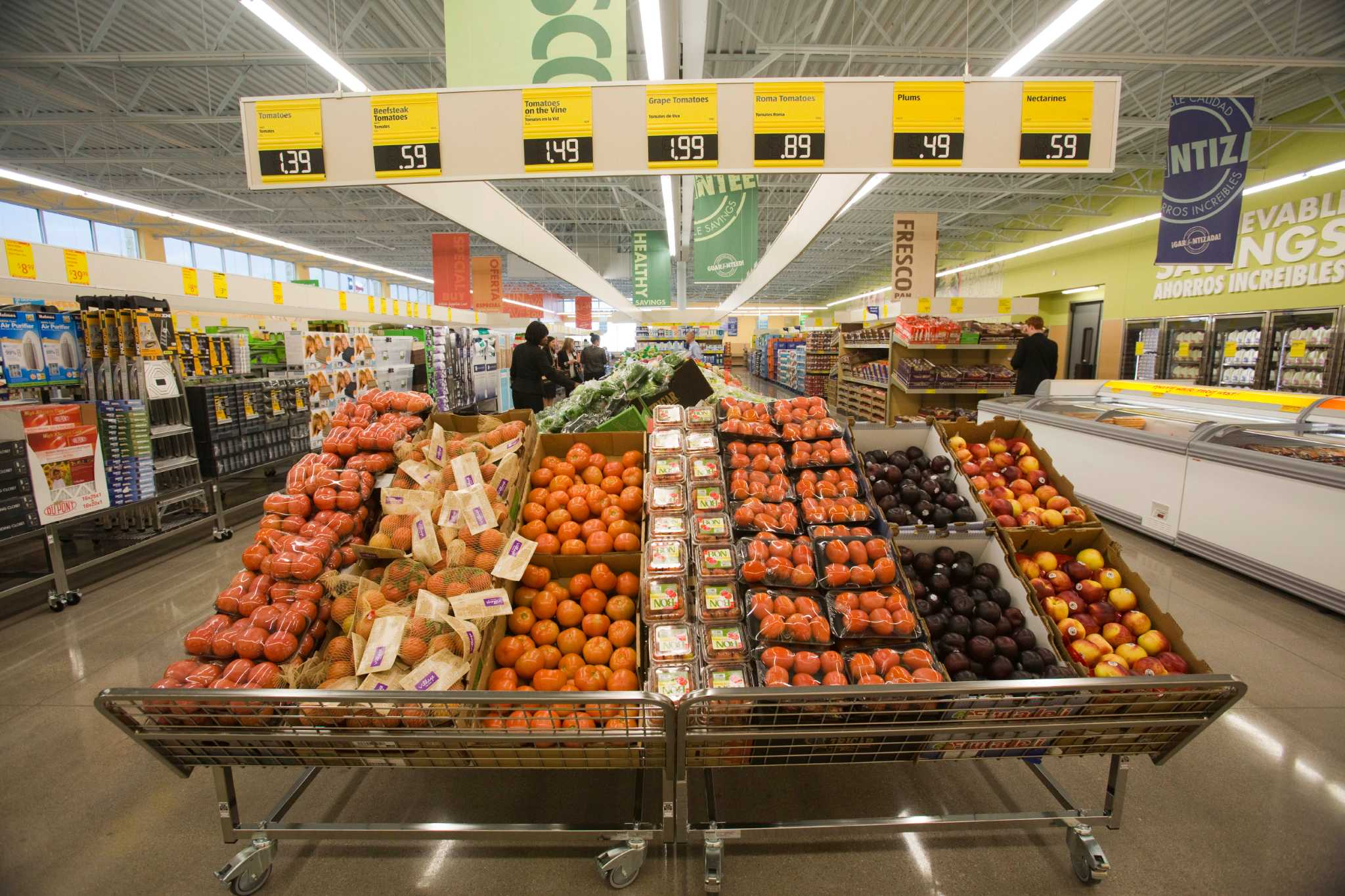 superior supermarket case anaylsis Superior supermarket faces the following threats : loss in market share if pricing strategy is not changed, loss in current customers, lower prices at competitor stores, and an increase in price awareness among customer base.
