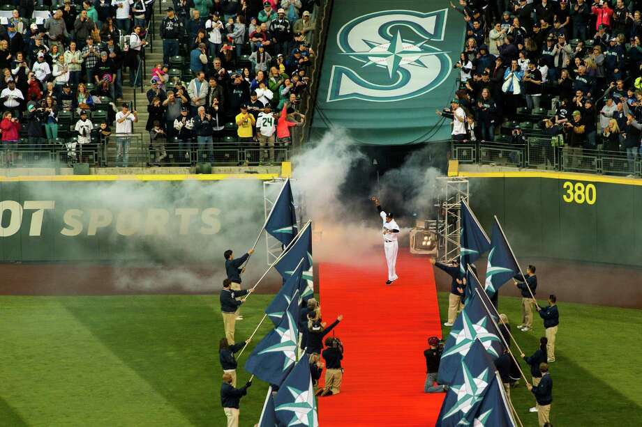 With an approving roar from the crowd, Felix Hernandez enters Safeco Field. Photo: JORDAN STEAD / SEATTLEPI.COM