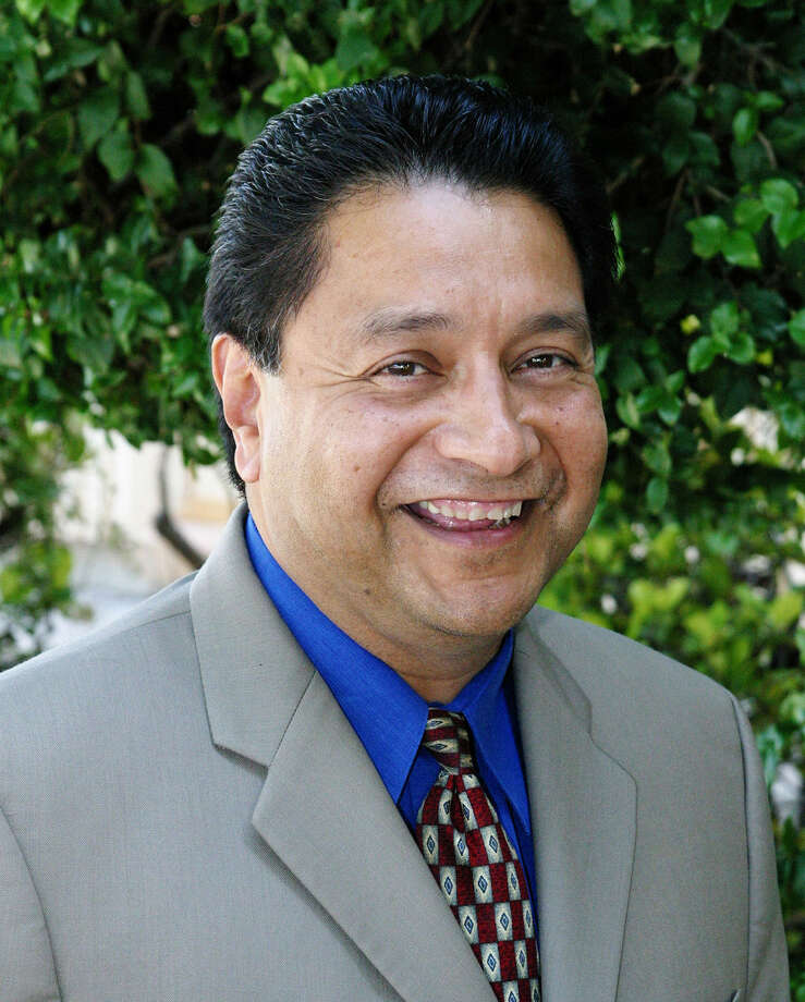 Manuel Isquierdo leads the Sunnyside Unified School District in Tucson, Ariz. Photo: Arizona Daily Star
