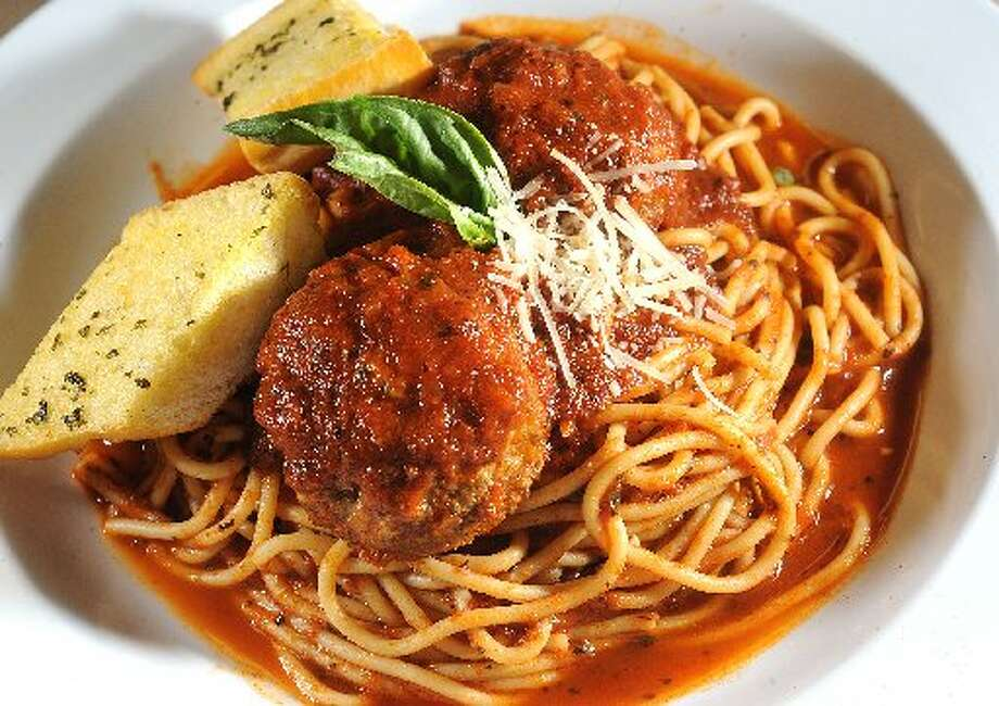 Spaghetti and meatballs. Guiseppe Barranco/cat5
