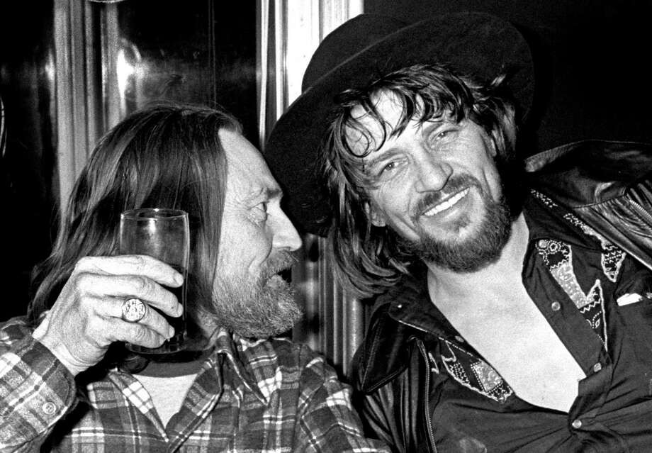 NEW YORK - 1978: Willie Nelson and Waylon Jennings enjoy a drink together in New York in 1978 (Photo by Richard E. Aaron/Redferns) Photo: Richard E. Aaron, Getty / 1978 Richard E. Aaron