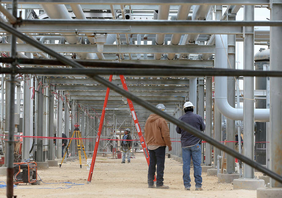After construction wraps up, Anadarko will have 16 to 20 employees running the plant. The company's acreage sits to the west of the plant. Photo: Jerry Lara / ©2013 San Antonio Express-News