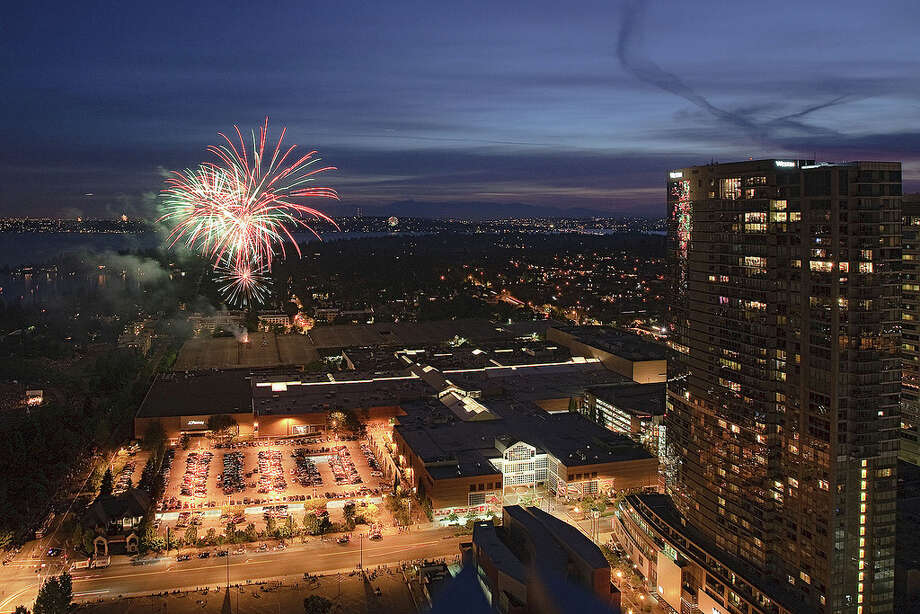 If Mayor McGinn\'s new plan doesn\'t work out, Bellevue\'s July 4 fireworks will be visible across Lake Washington. Photo: Curt Smith/flickr