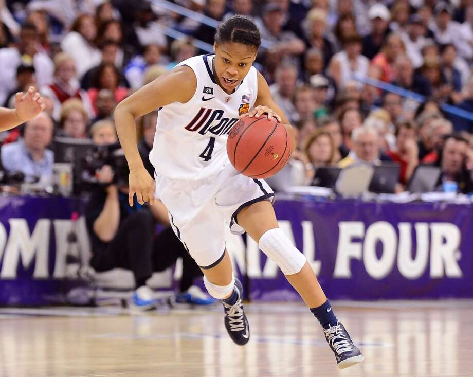 Moriah Jefferson #4 of the Connecticut Huskies handles the ball against the Louisville Cardinals in the second half during the 2013 NCAA Women\'s Final Four Championship at New Orleans Arena on April 9, 2013 in New Orleans, Louisiana.