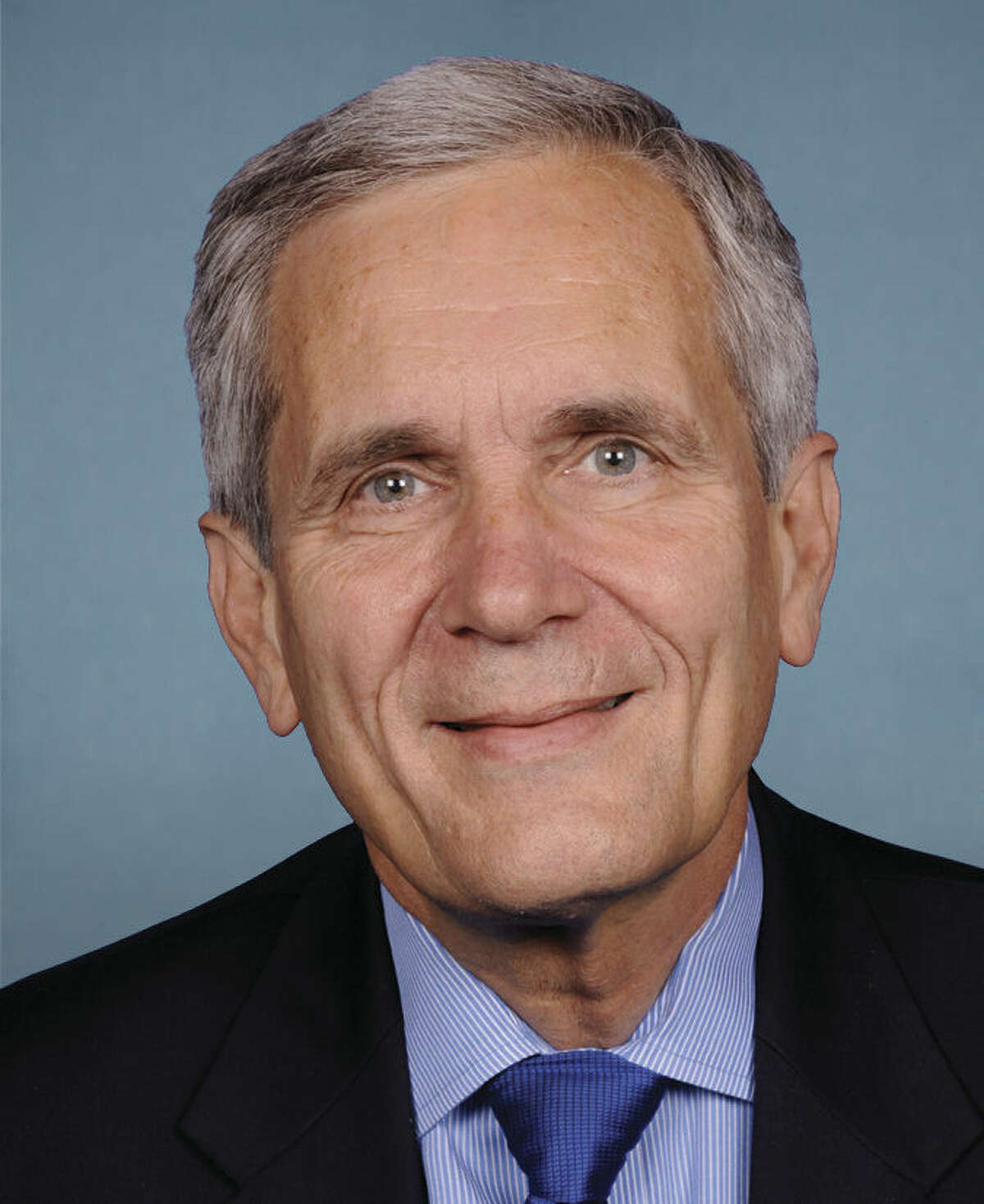 Rep. Lloyd Doggett has acted to expand college benefits.