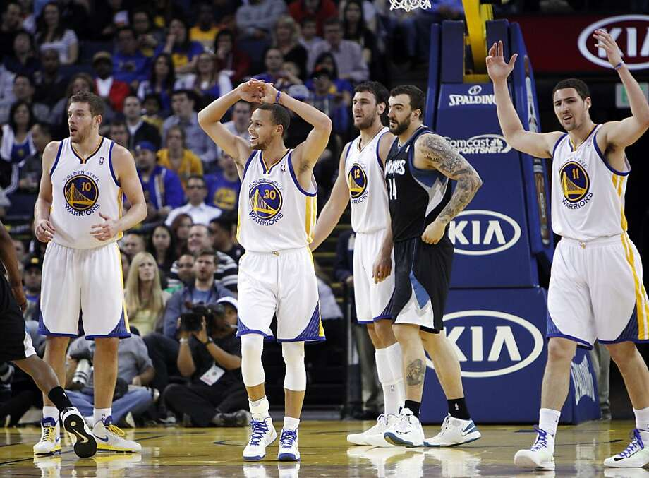 The Warriors react to a call that went against the team in the first half against the Timberwolves. The Golden State Warriors played the Minnesota Timberwolves at Oracle Arena in Oakland, Calif., on Tuesday, April 9, 2013. Photo: Carlos Avila Gonzalez, The Chronicle