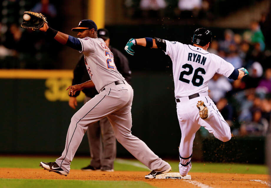 Brendan Ryan #26 of the Mariners crosses first on a groundout. Photo: Otto Greule Jr, Getty Images / 2013 Getty Images