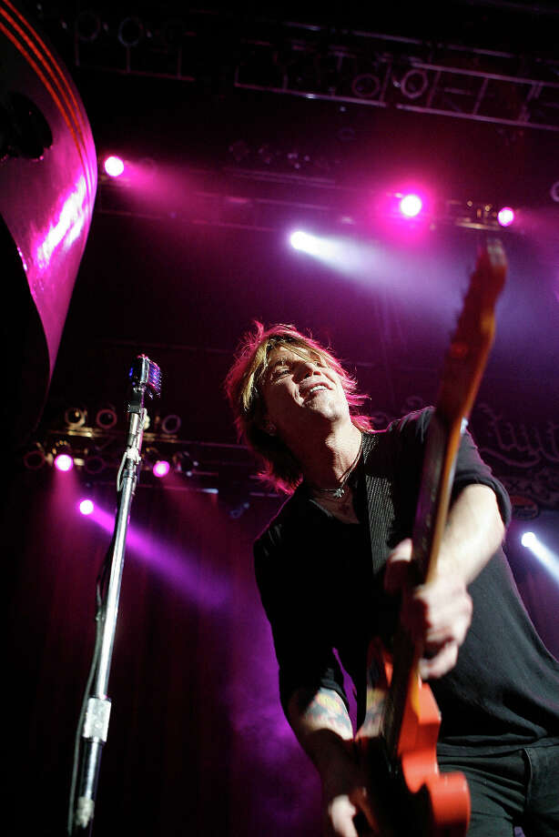 DALLAS - AUGUST 17:  John Rzeznik of Goo Goo Dolls performs during the 2011 Schedule Announcement Party for the Texas Motor Speedway at House of Blues on August 17, 2010 in Dallas, Texas. Photo: Tom Pennington, Getty Images For Texas Motor Spe / 2010 Getty Images