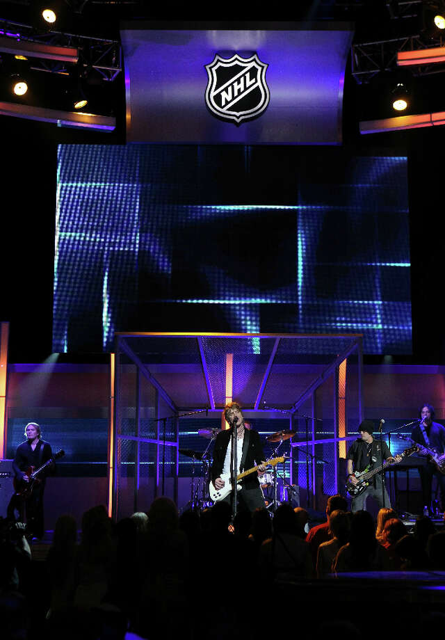 LAS VEGAS - JUNE 23:  Goo Goo Dolls frontman Johnny Rzenik performs during the 2010 NHL Awards at the Palms Casino Resort on June 23, 2010 in Las Vegas, Nevada. Photo: Bruce Bennett, Getty Images For NHLI / 2010 Getty Images