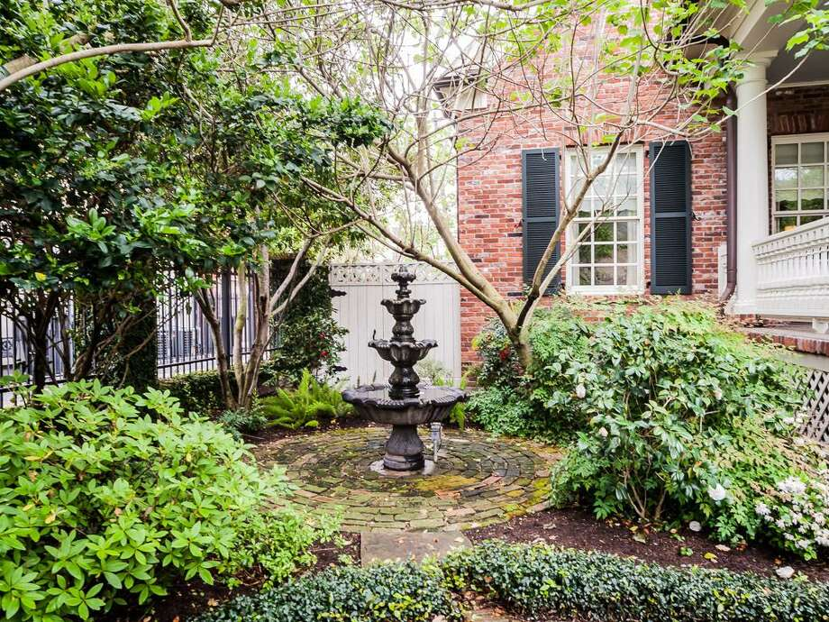 A view of the fountain at 408 E. Seventh St. Photo: John Daugherty Realtors