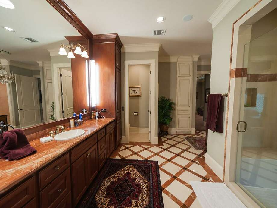 The home's master bath. Photo: John Daugherty Realtors