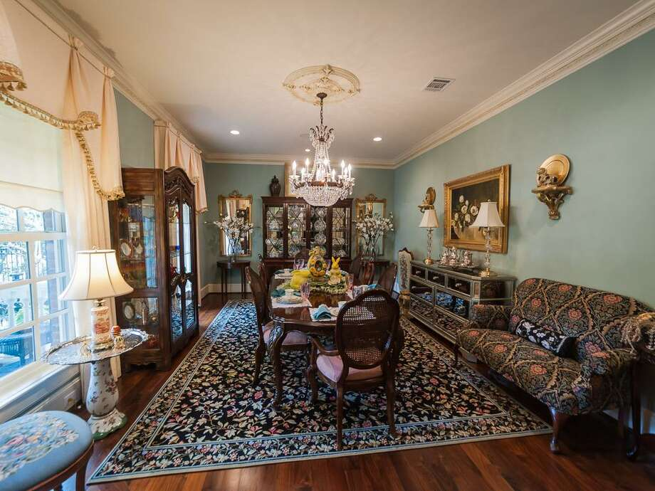 An additional view of formal living room at 408 E. Seventh St. Photo: John Daugherty Realtors