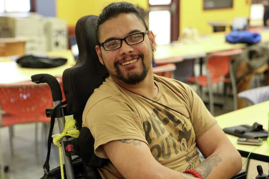 Albert Estrada, a student at Palo Alto College, has helped the school address issues facing students with disabilities. Photo: Helen L. Montoya / Conexión