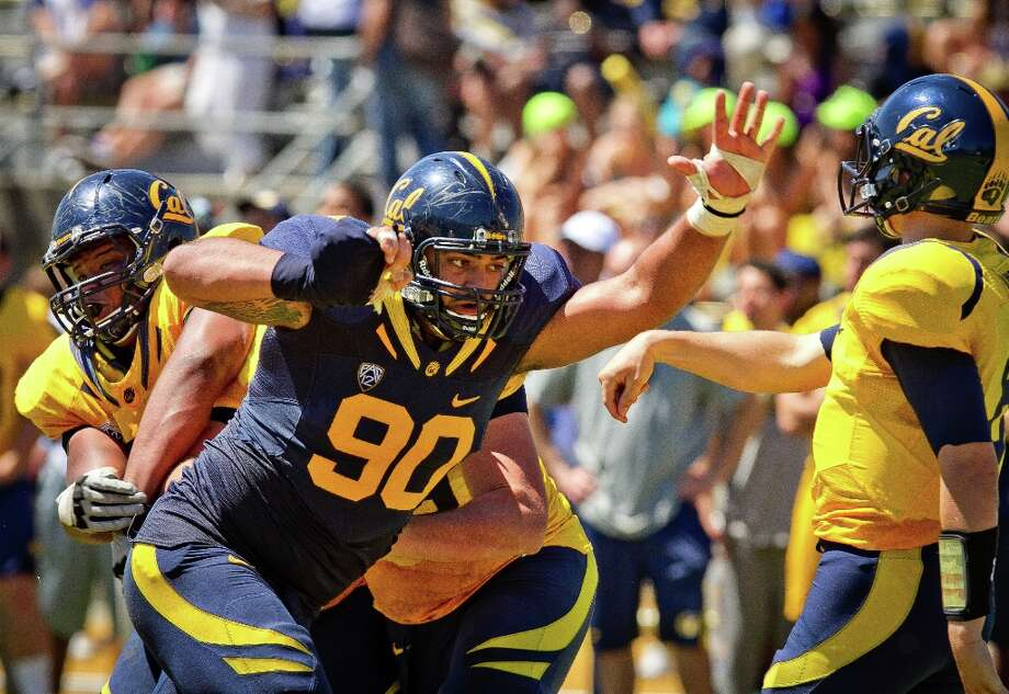 Blue and gold uniforms in last year\'s Cal spring game Photo: John Storey, Special To The Chronicle / ONLINE_Yes