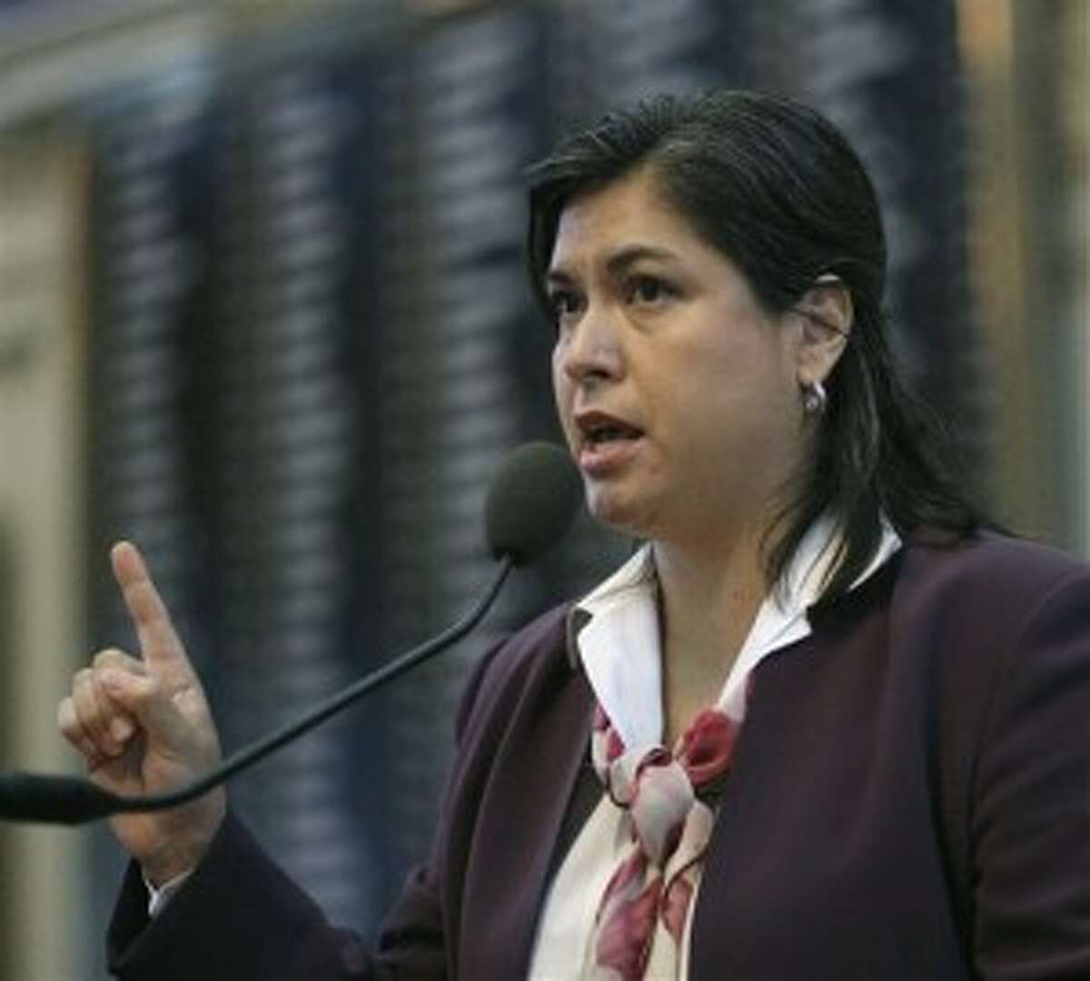 State Rep. Jessica Farrar, D-Houston, filed a bill Friday that would penalize men for