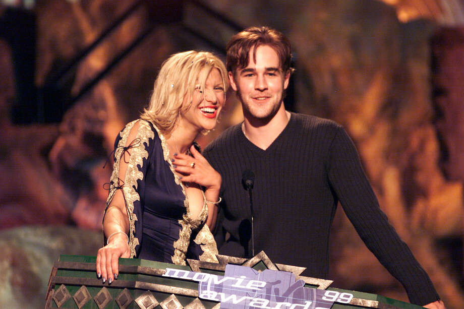 "Unlikely pairing: Courtney Love and ""Dawson's Creek"" star James Van Der Beek on the 1999 MTV Movie Awards at the Barker Hangar in Santa Monica, CA, 6/5/99. Photo: Frank Micelotta, Getty Images / Getty Images North America"