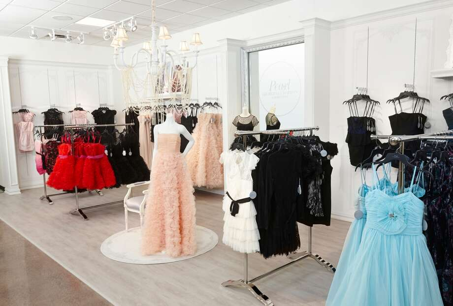 Pearl by Georgina Chapman of Marchesa launched exclusively in jcpenney stores on March 1. The designer collection offers elegant gowns, cocktail dresses and cocktail pant and short sets at an affordable price ranging from $50 to $250.