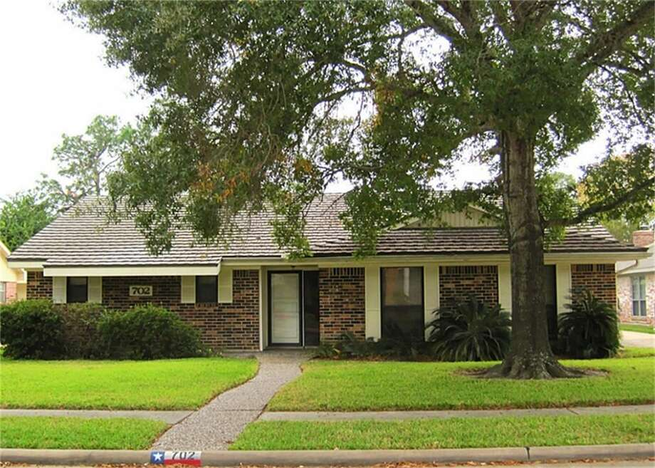 702 SeawayHighlights: Brick one-story with double-pane storm windows and aluminum roof in Seabrook. Neighborhood is close to two lakes and has boat launch for residents. The Kemah Boardwalk and NASA Johnson Space Center are nearby.List price: $166,500;Neighborhood: El Lago Estates;Price per square foot: $74;Specs: 4 bedrooms, 2.5 baths;Size: 2,256 square feetPhoto: Barbara Stubblefield UTR-Texas, Realtors Photo: HAR.com