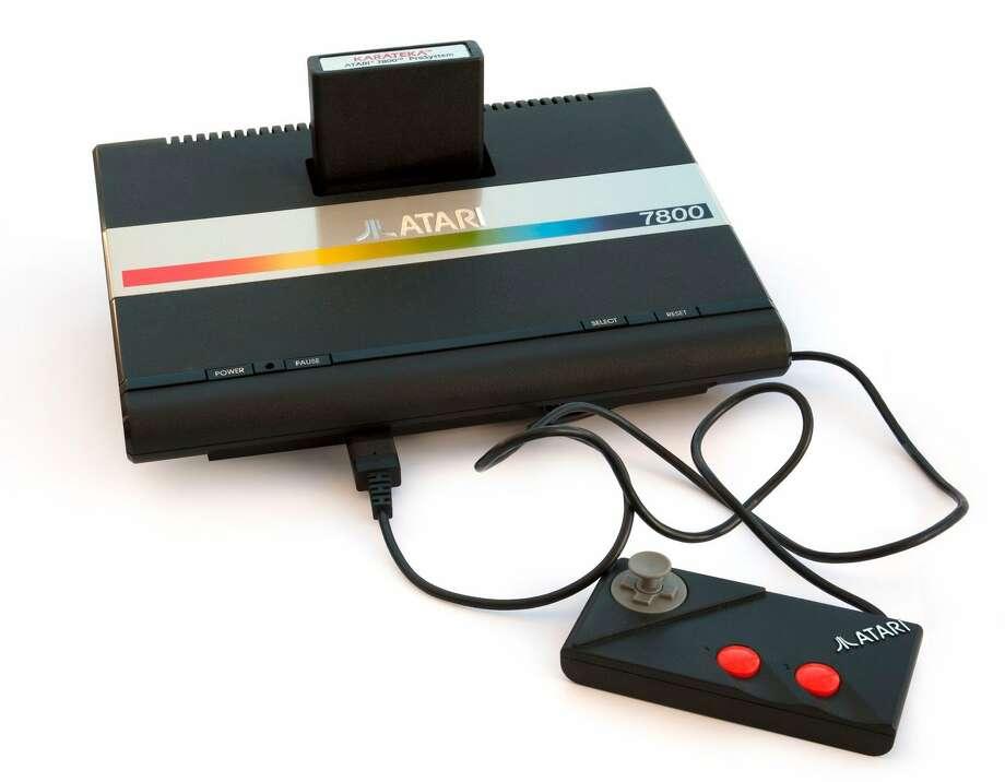 1986: Atari 7800.