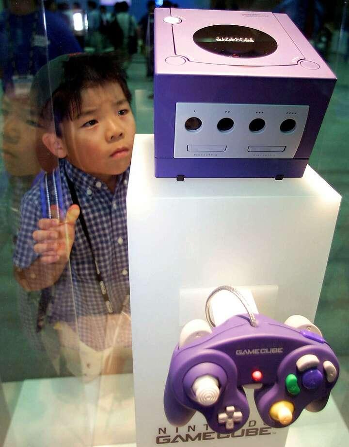 2000: Nintendo's GameCube Photo: SHIZUO KAMBAYASHI, AP / AP