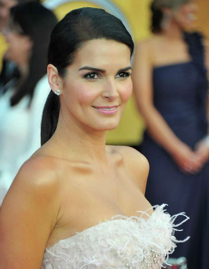 Actress Angie Harmon Photo: Alberto E. Rodriguez, Getty Images / ONLINE_YES