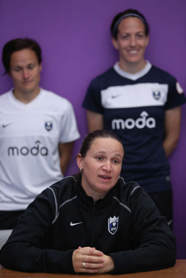 Seattle Reign head coach and general manager Laura Harvey speaks as the new team's kit is unveiled. Photo: JOSHUA TRUJILLO, SEATTLEPI.COM / SEATTLEPI.COM