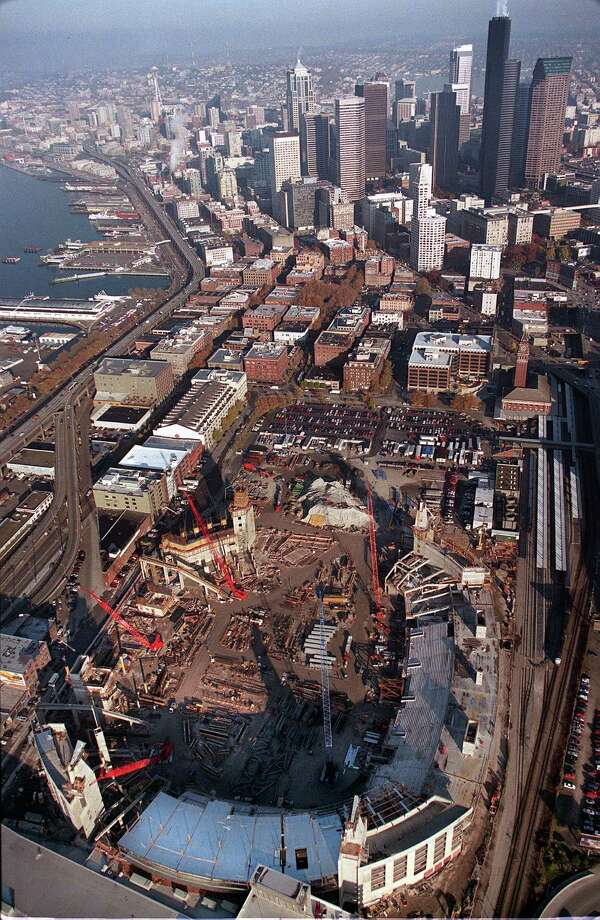 The new Seahawks Stadium is seen under construction on Nov. 15, 2000. Photo: P-I Photo, Seattlepi.com File