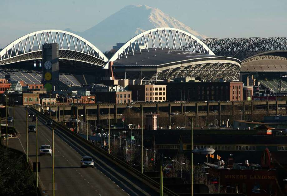 The Alaskan Way Viaduct, Qwest Field and Mount Rainier are seen on Feb. 16, 2011. Photo: Joshua Trujillo, Seattlepi.com / Seattlepi.com