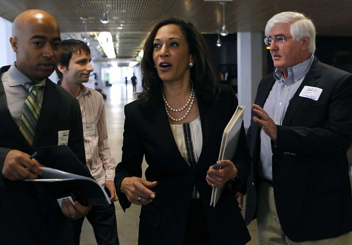 California Attorney General Kamala Harris arrives at the Future of Privacy+Innovation conference to deliver the keynote speech in San Francisco, Calif. on Wednesday, April 10, 2013.